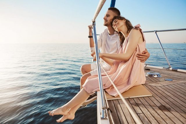 Ways To Turn Summer Flirt With An Aquarius Into A Relationship